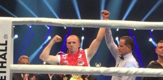 ... Und weiterhin WBA-Weltmeister im Halbschwergewicht nach t.K.o. In Runde 8: Jürgen Brähmer! / Foto: Sebastian Heger