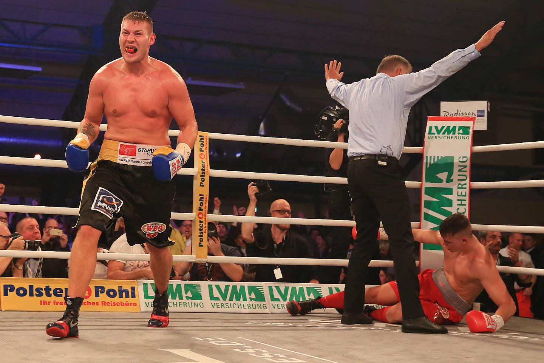 Boxen Schwergewicht Tom Schwarz
