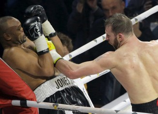 Roy Jones Jr. gegen Enzo Maccarinelli