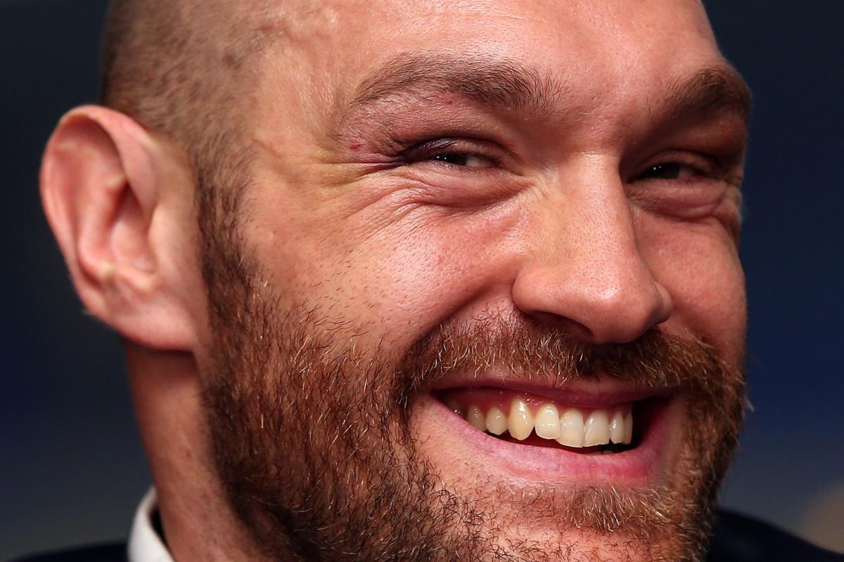 Sehen wir Tyson Fury bald wieder im Rin? Dem Ex-Weltmeisterwurde von der lokalen britischen Boxbehörde inzwischen wieder eine neue Box-Lizenz erteilt und Fury möchte im kommenden Jahr zu einem Comeback in den Ring steigen.......am Liebsten gleich gegen Anthony Joshua.