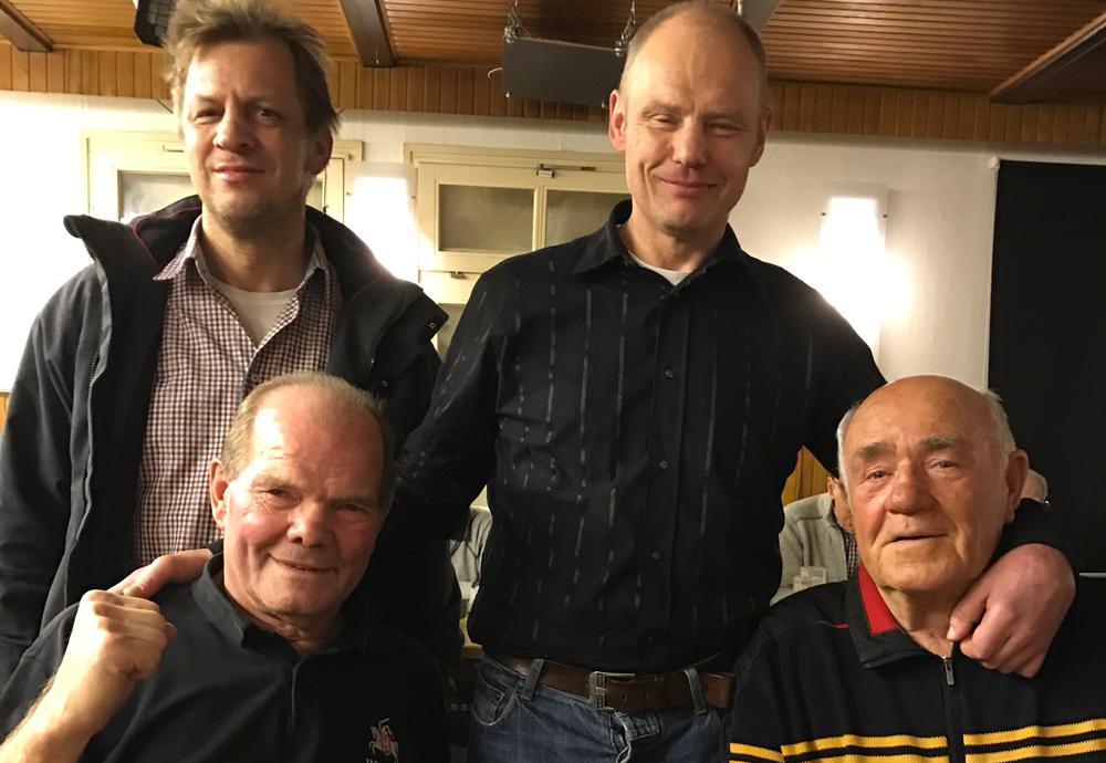 """Hatten viel zu erzählen und zu diskutieren: Jürgen Blin, Kalle Schönberg, Volker Kiparski und """"Macher"""" Thorsten Spürgin"""