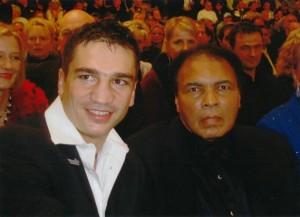 Große Ehre - Beyer zusammen mit Muhammad Ali / Foto: Markus Beyer privat
