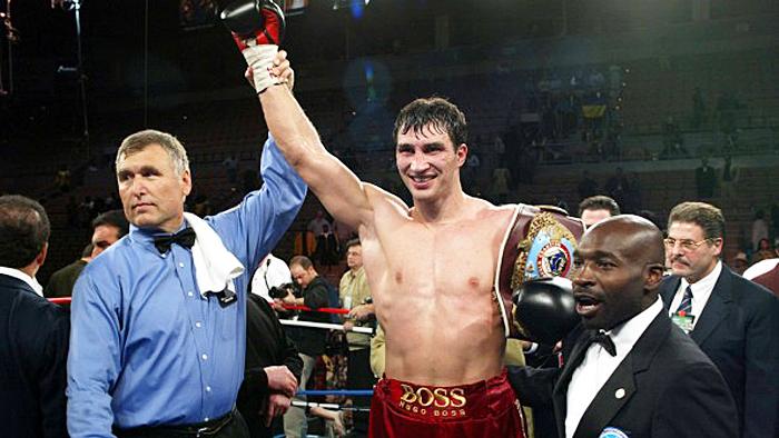 Mit seinem Sieg im zweiten Sieg über Chris Byrd am 22. April 2006 in der Mannheimer SAP Arena begann für Wladimir Klitschko seine große Zeit - er sollte 10 Jahre keinen Kampf mehr verlieren.