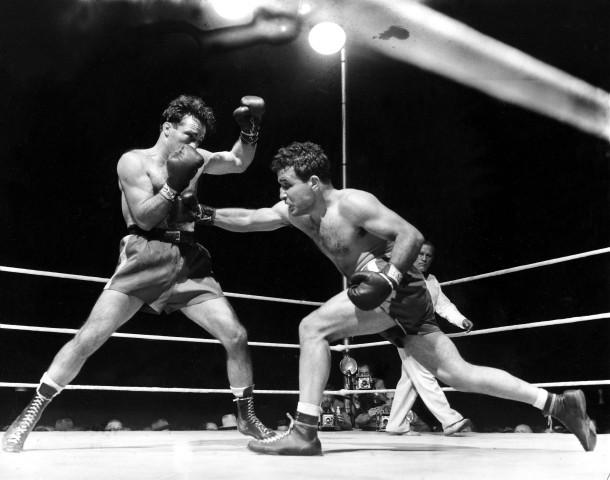 """Box-Legende Jake """"Raging Bull"""" LaMotta (rechts) bei seinem WM-Kampf 1949 gegen Marcel Cerdan"""