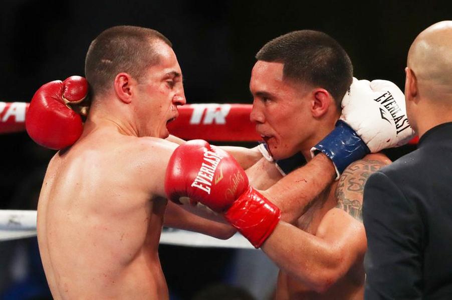 Blutige Cuts und geschwollene Gesichter nach brutalen 12 Runden, in denen am Ende doch mal wieder die boxerische Finesse obsiegte
