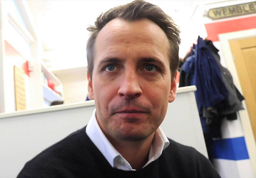 Promoter Nisse Sauerland besteht auf Vertragserfüllung des bis Ende 2019 laufenden Vertrages mit dem Weltmeister